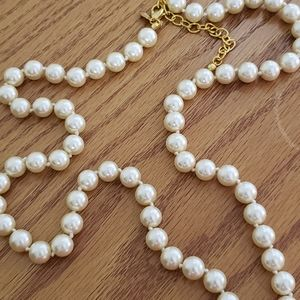 💕Joan Rivers Creamy Pearl Necklace